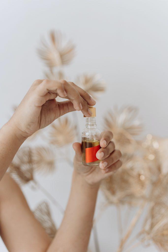 huile de massage sur peau